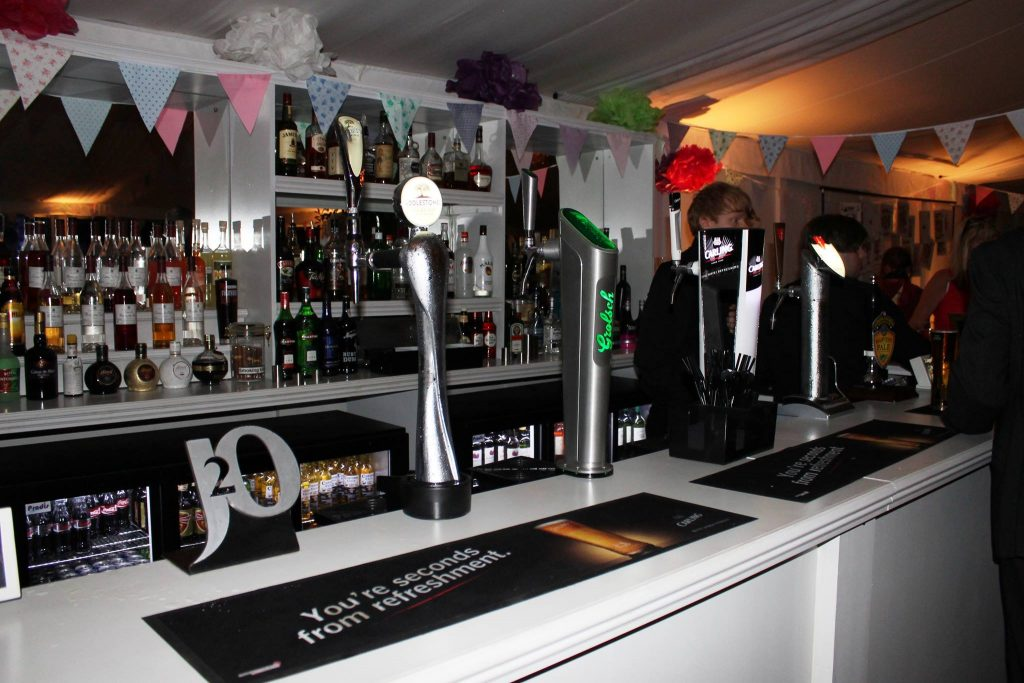 wedding bar drinks service